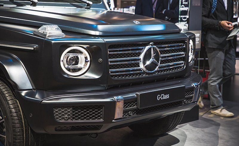 https://hips.hearstapps.com//amv-prod-cad-assets.s3.amazonaws.com/images/media/51/2019-mercedes-benz-g-class-inline1-photo-700277-s-original.jpg?crop=1xw:1xh;center,center&resize=800:*