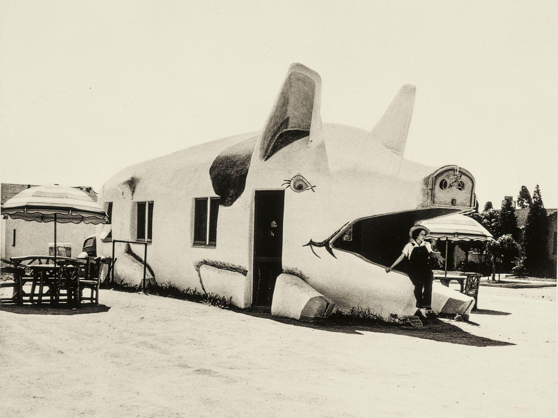 Pig Cafe in Los Angeles (circa 1934).