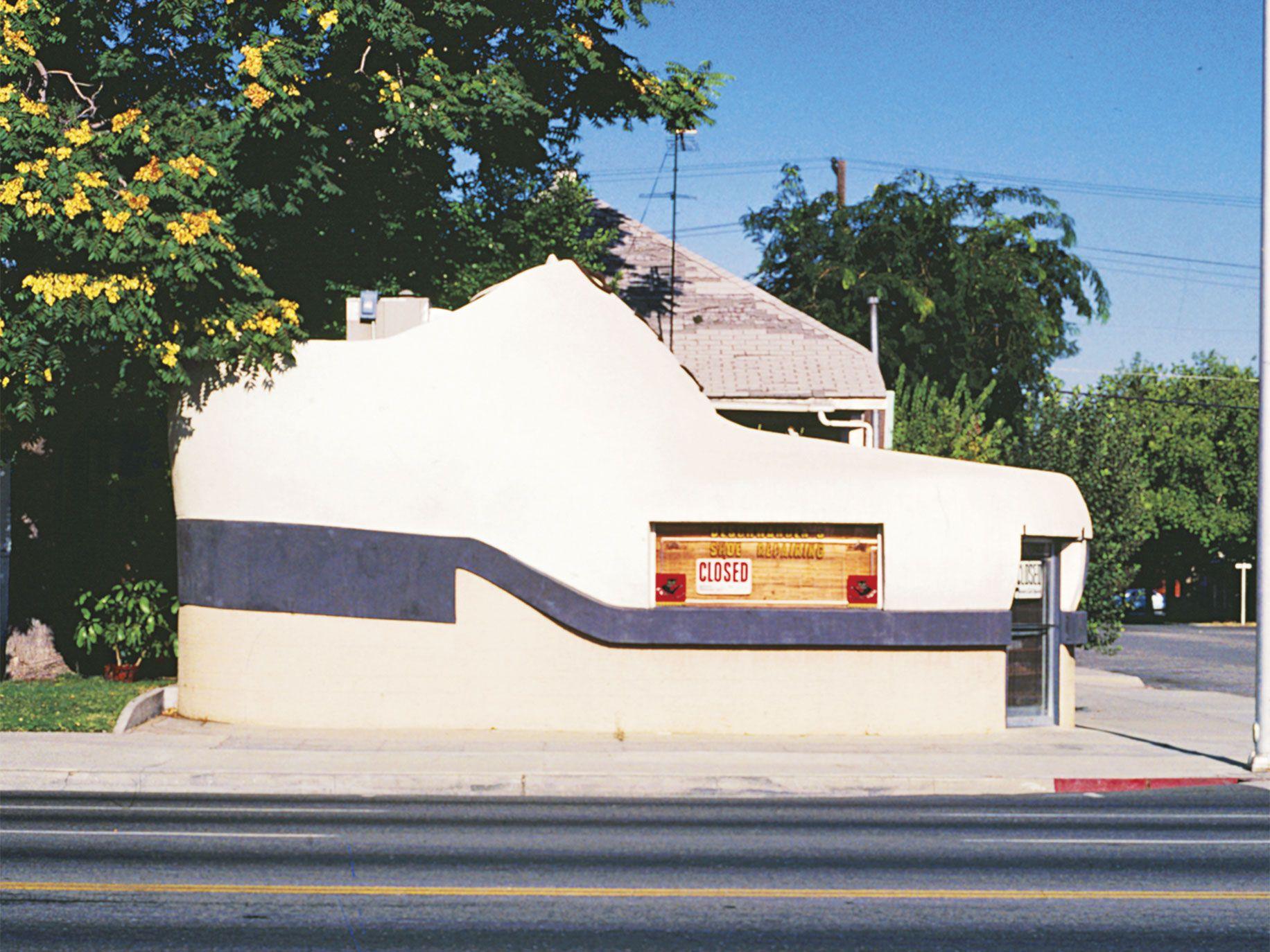 Deschwanden's Shoe Repair, Bakersfield (circa 1985).