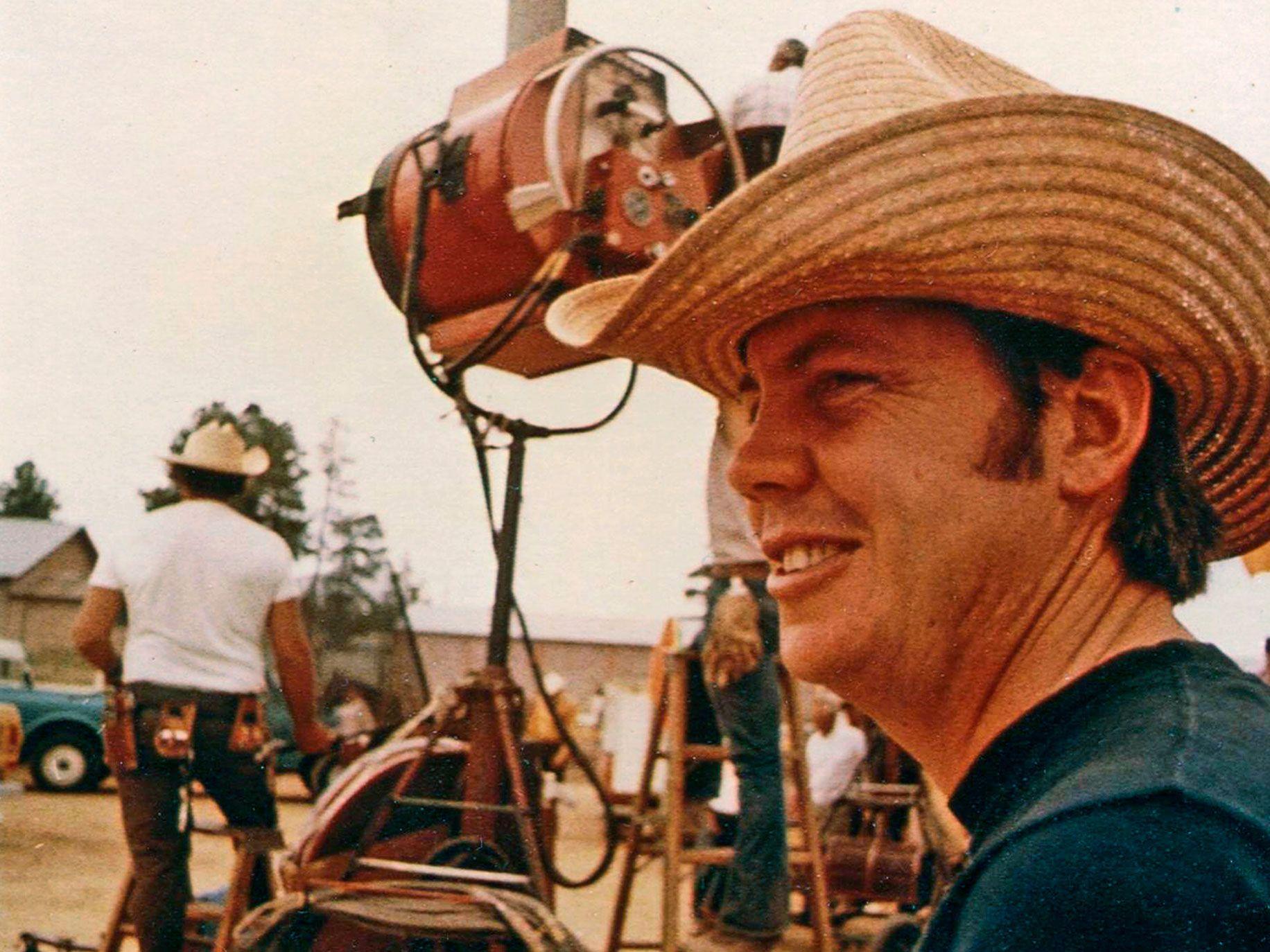 Jeb Rosebrook on set of Junior Bonner.
