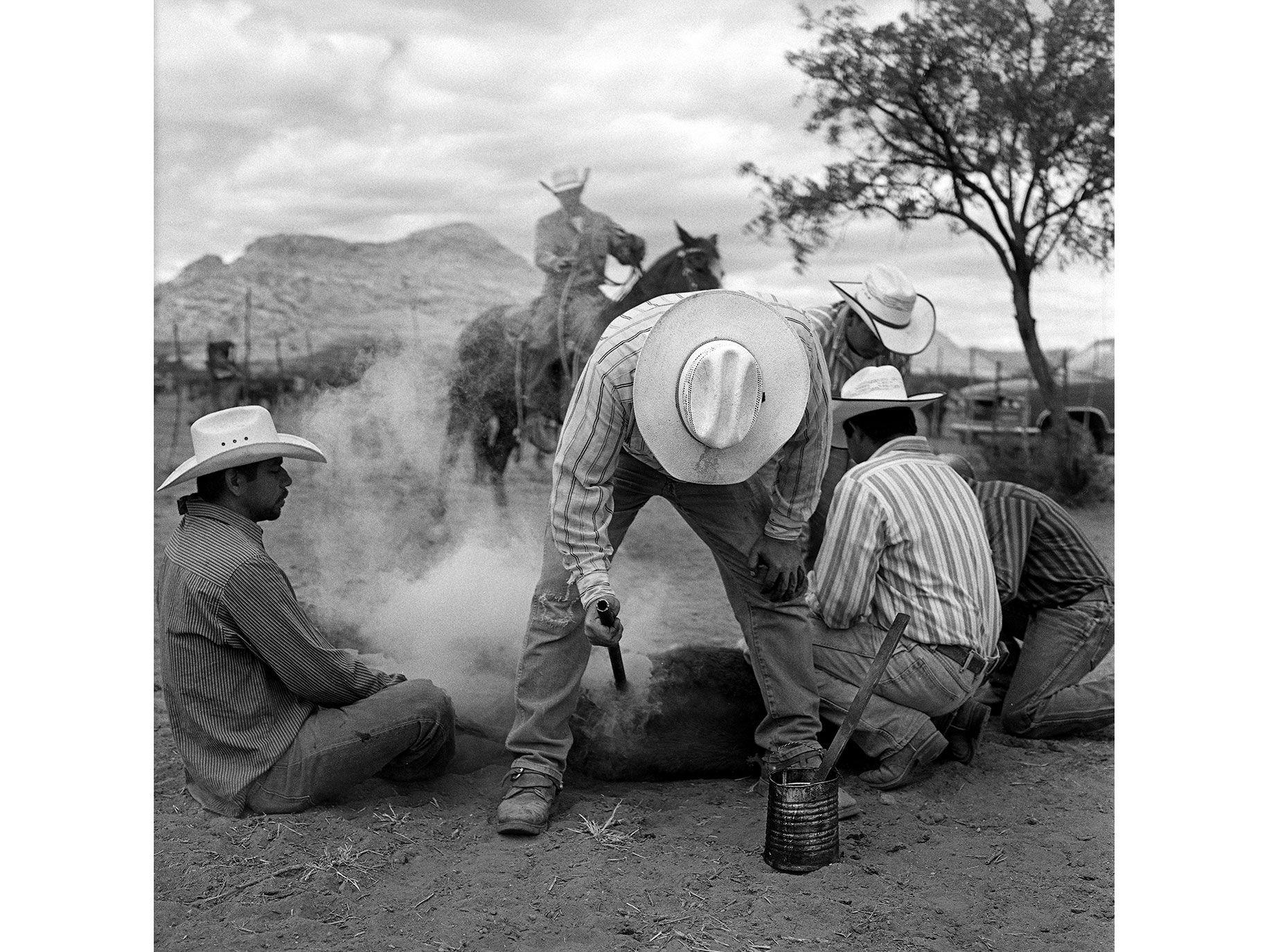 Jesse Hooker Davis, Spring Roundup, Sierra Bonita Ranch, Graham County, Upper Sulphur Springs Valley, northwest of Willcox, Ariz., 2011.