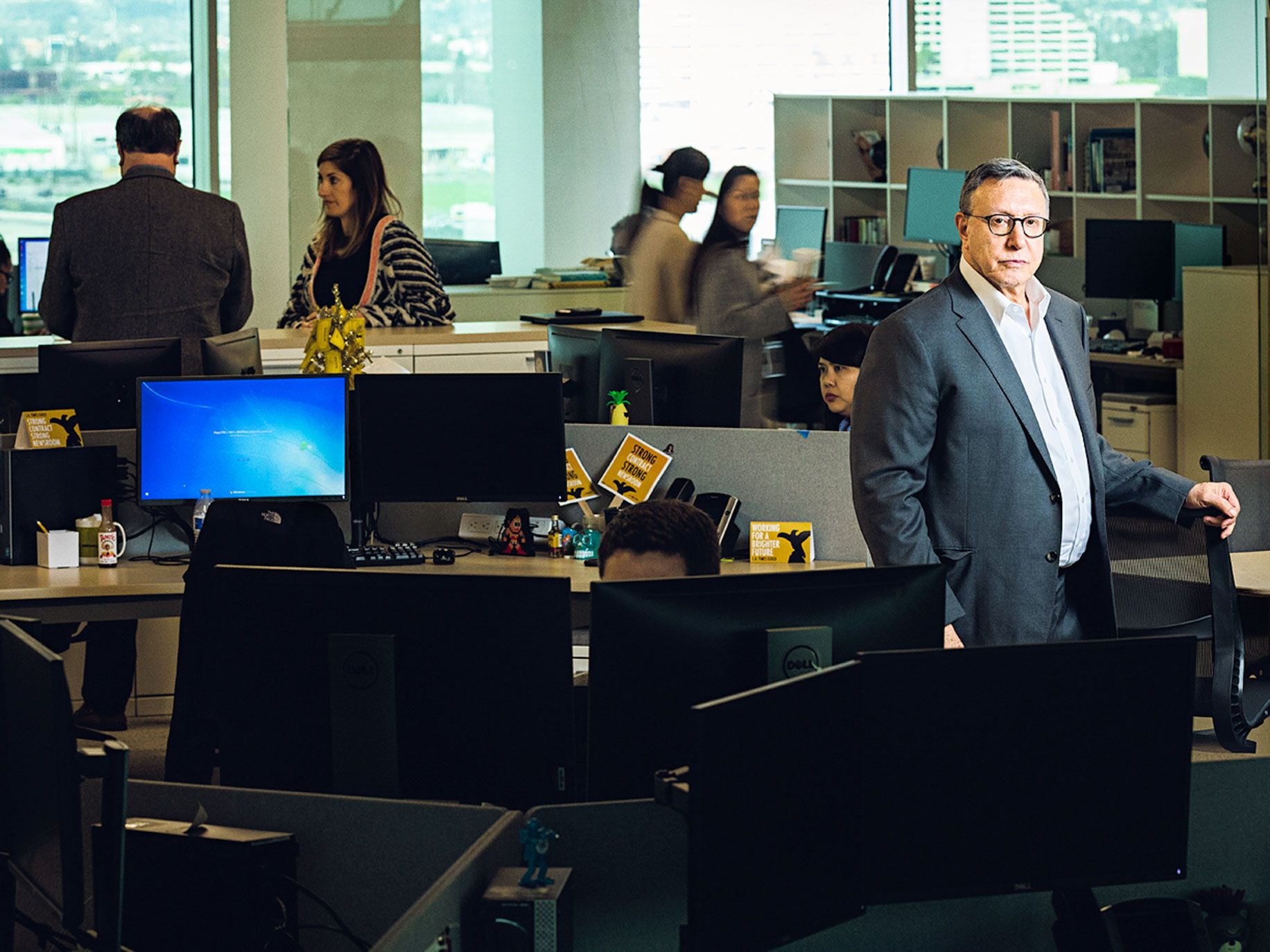 Executive editor Norman Pearlstine in the newsroom of the Los Angeles Times' new building. Soon-Shiong moved the newspaper's operations to El Segundo, about 19 miles away from its former downtown L.A. headquarters.