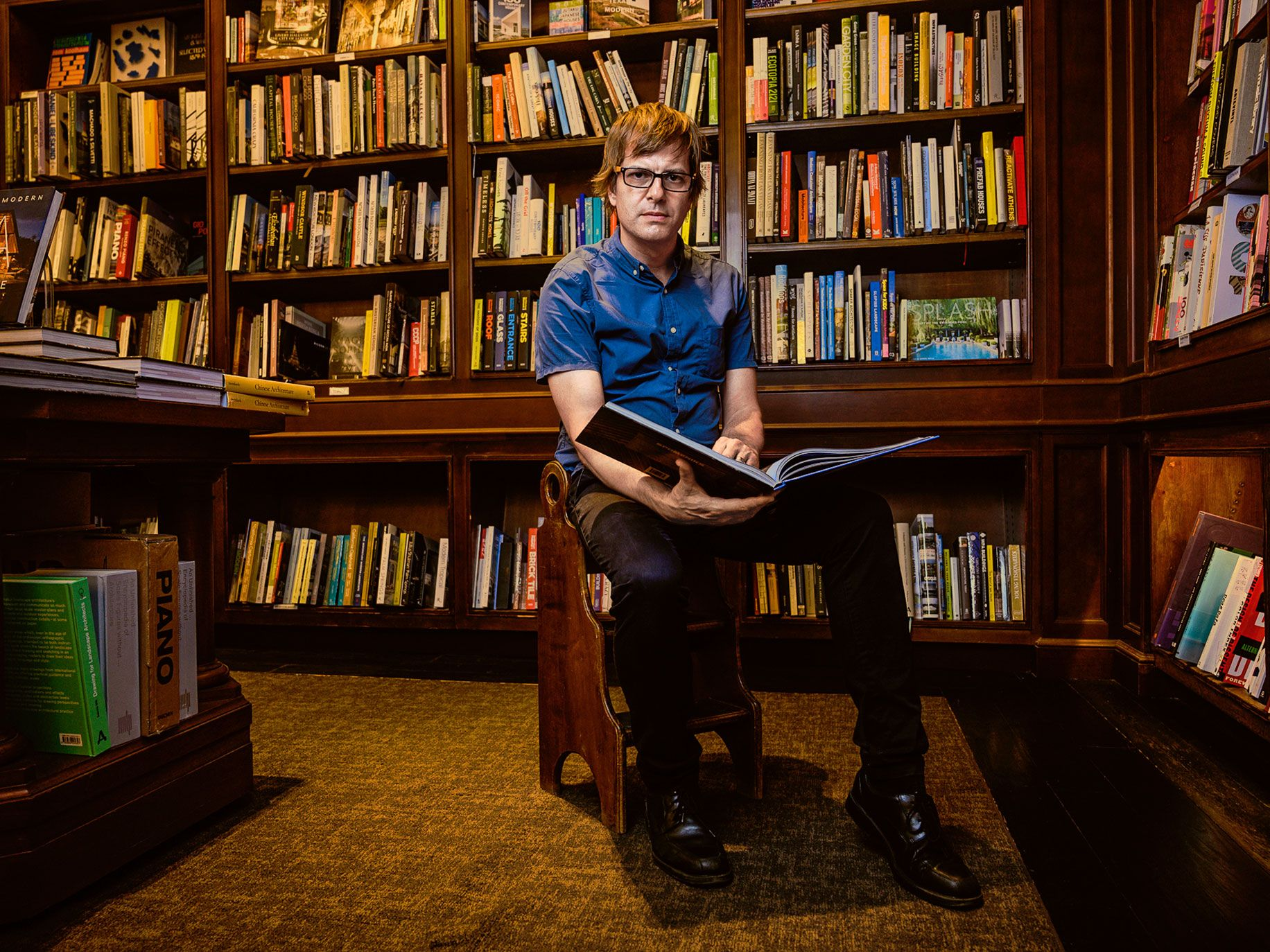 Andy Hunter, CEO of the startup Bookshop, sees an opportunity to help independent booksellers thrive by offering better online shopping experiences and two-day deliveries.