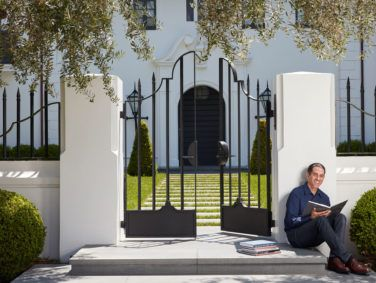 David Silverman has written histories of the former homes of Hollywood heavyweights like Marlene Dietrich, Frank Sinatra, and David O. Selznick.