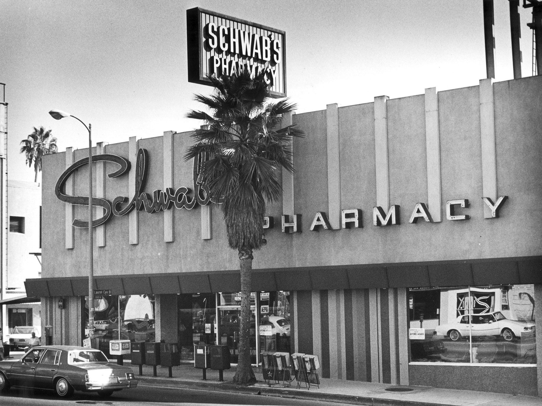 Schwab's Pharmacy on Sunset Boulevard, a hangout of Hollywood stars for 50 years, closed in 1983 and was razed.