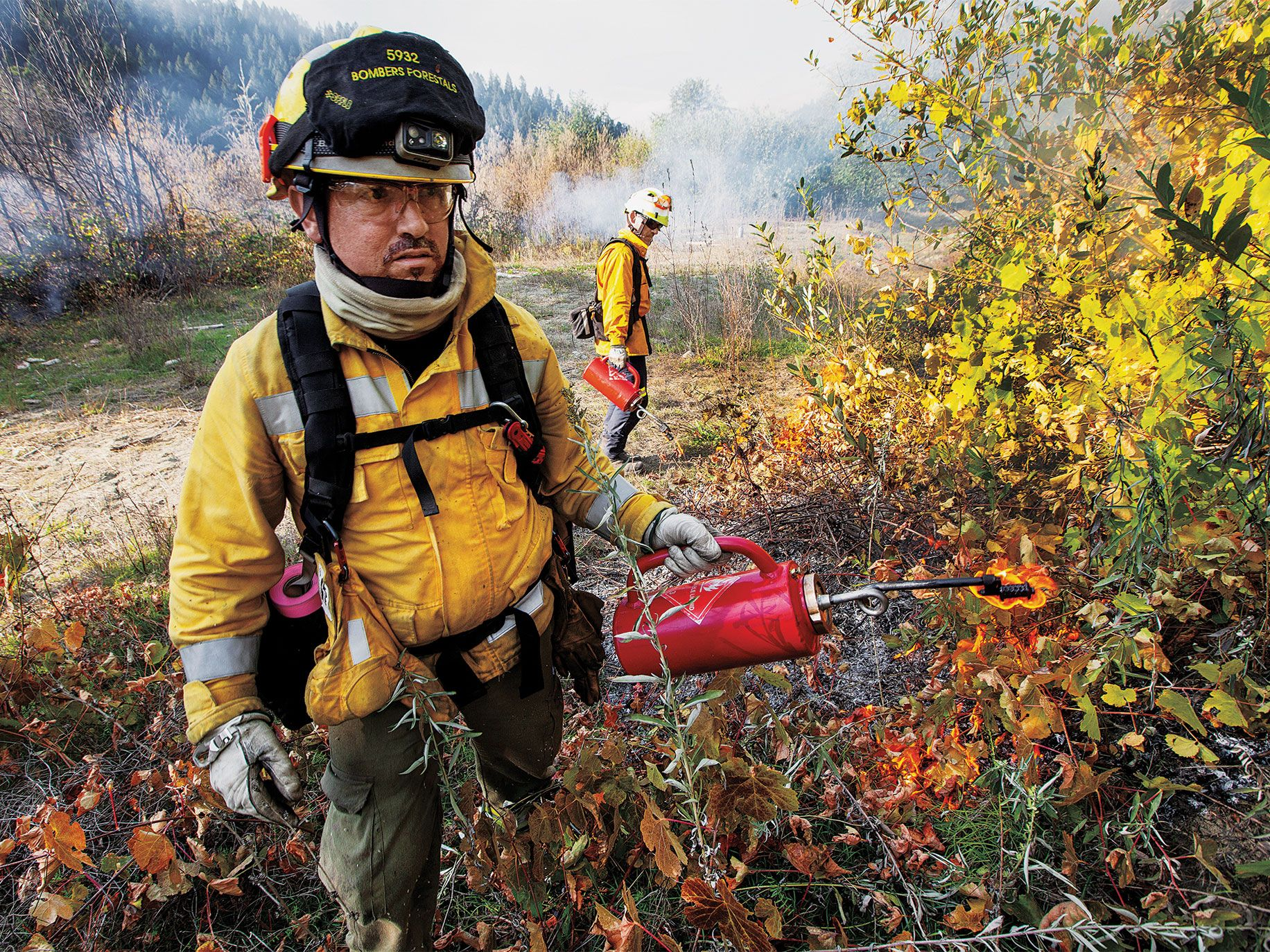 A prescribed burn underway along the Middle Klamath River.