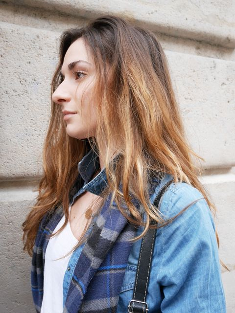 Clothing, Lip, Hairstyle, Sleeve, Collar, Textile, Outerwear, Style, Street fashion, Plaid,