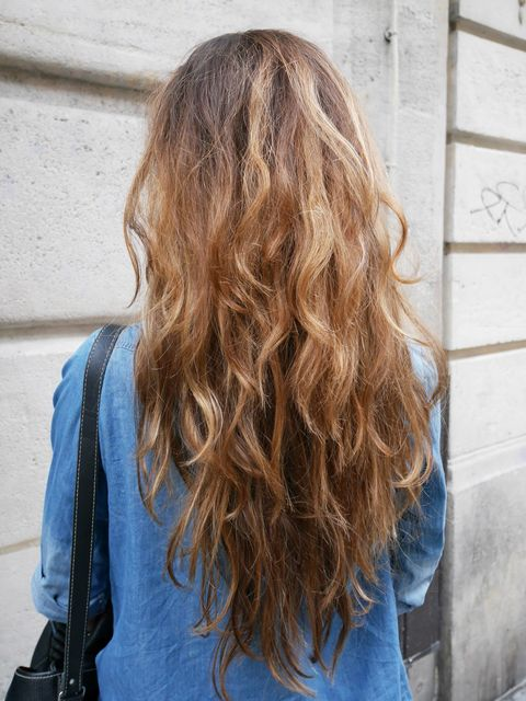 Blue, Hairstyle, Textile, Style, Denim, Street fashion, Electric blue, Back, Long hair, Musical instrument accessory,