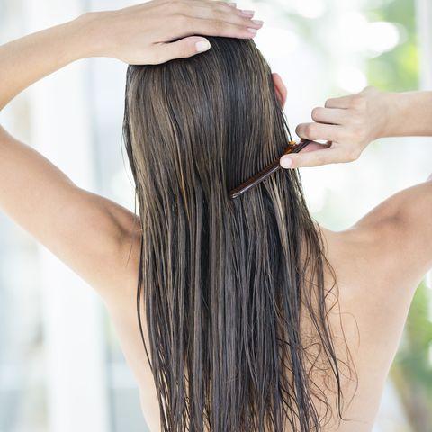 Finger, Brown, Hairstyle, Skin, Joint, Style, Beauty salon, Beauty, Long hair, Wrist,