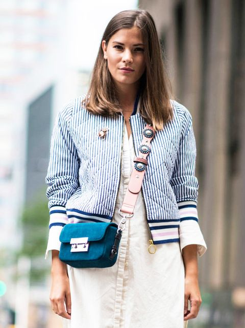 Product, Sleeve, Shoulder, Hand, Collar, Outerwear, Style, Bag, Street fashion, Blazer,