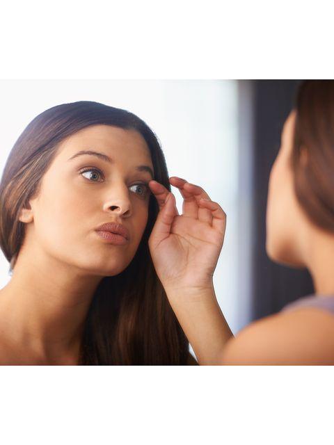 Lip, Finger, Skin, Hairstyle, Forehead, Eyebrow, Eyelash, Beauty, Organ, Neck,