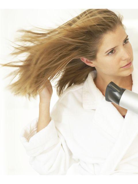 Hair, Ear, Hairstyle, Skin, Audio equipment, Blond, Long hair, Brown hair, Electronic device, Neck,