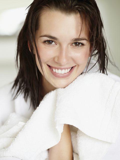Hair, Face, White, Skin, Eyebrow, Facial expression, Smile, Beauty, Chin, Lip,