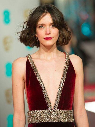 Hairstyle, Shoulder, Fashion model, Style, Dress, Jewellery, Beauty, Eyelash, Fashion, Neck,