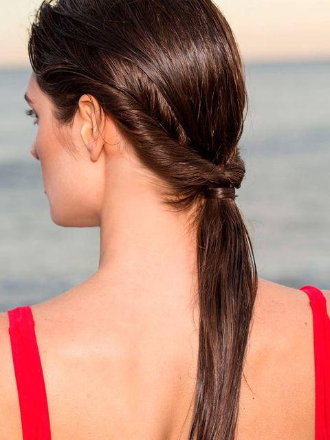 Hair, Hairstyle, Chin, Neck, Long hair, Shoulder, Brown hair, Back, Ear, Ponytail,