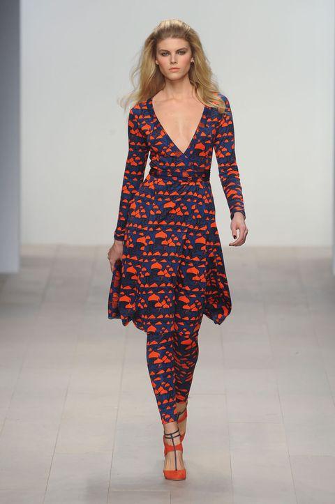 Sleeve, Shoulder, Dress, Joint, Human leg, Fashion show, One-piece garment, Style, Pattern, Fashion model,