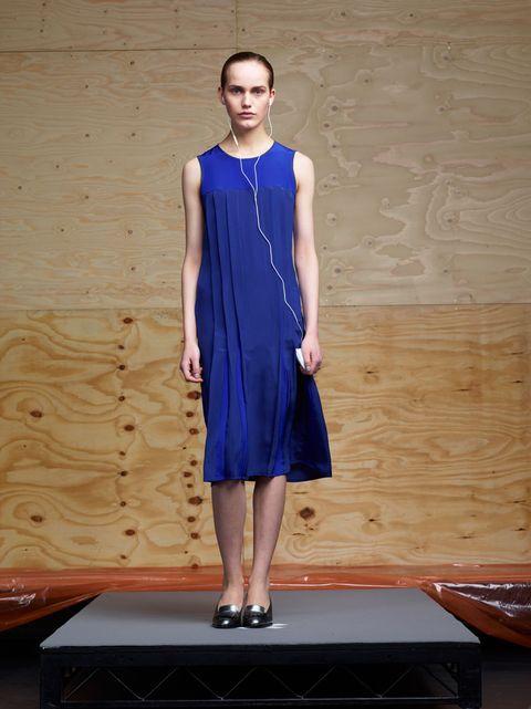 Dress, Shoulder, Standing, One-piece garment, Fashion, Electric blue, Jewellery, Day dress, Cobalt blue, Street fashion,
