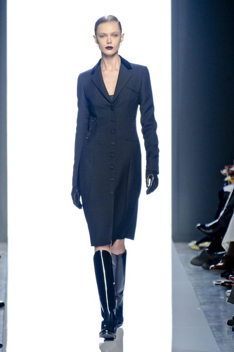 Clothing, Sleeve, Shoulder, Joint, Outerwear, Fashion show, Fashion model, Style, Blazer, Runway,