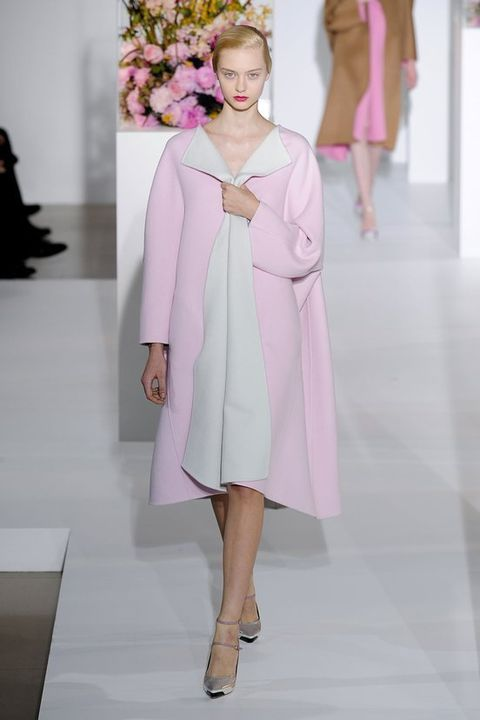 Sleeve, Shoulder, Textile, Joint, Dress, Pink, Style, Fashion model, One-piece garment, Fashion show,