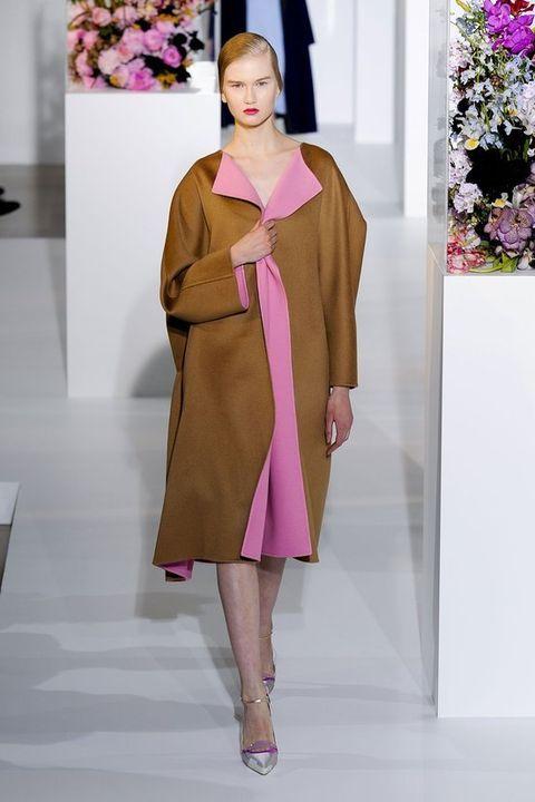 Sleeve, Shoulder, Textile, Purple, Joint, Pink, Magenta, Style, Violet, One-piece garment,