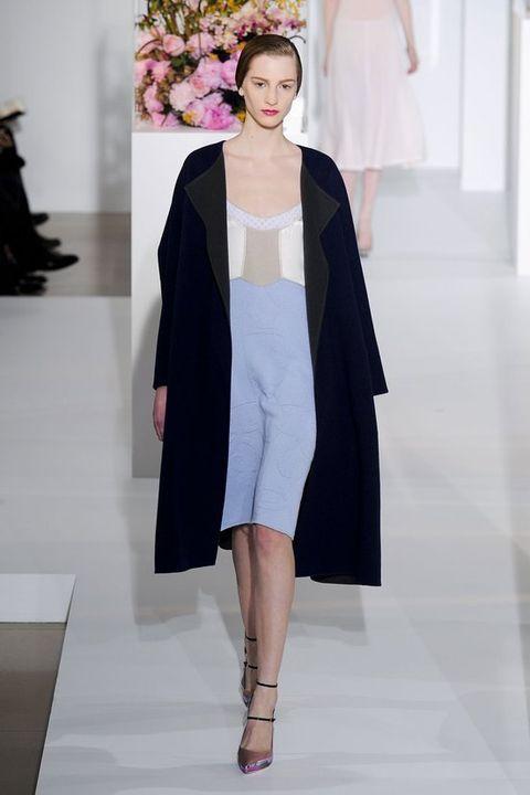 Sleeve, Outerwear, Fashion show, Style, Fashion model, Dress, Fashion, Runway, Street fashion, Costume design,
