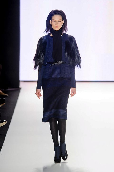 Sleeve, Fashion show, Shoulder, Joint, Outerwear, Runway, Style, Fashion model, Knee, Fashion,
