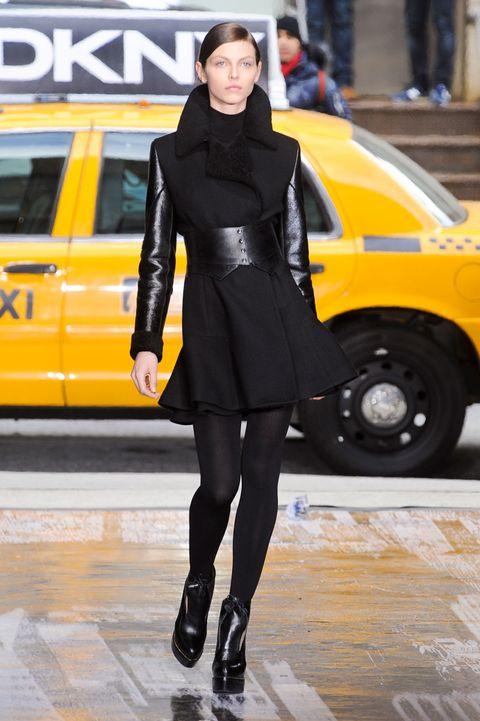 Yellow, Human leg, Street fashion, Knee, Fashion, Thigh, Jacket, Tights, Auto part, Leather,