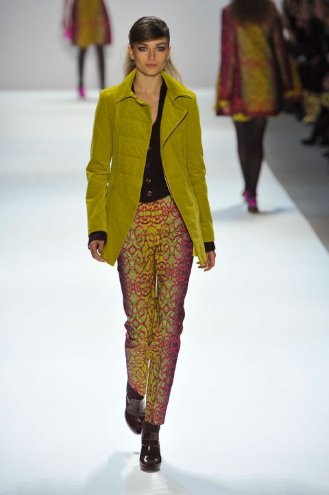 Clothing, Winter, Fashion show, Shoulder, Textile, Runway, Joint, Outerwear, Style, Fashion model,