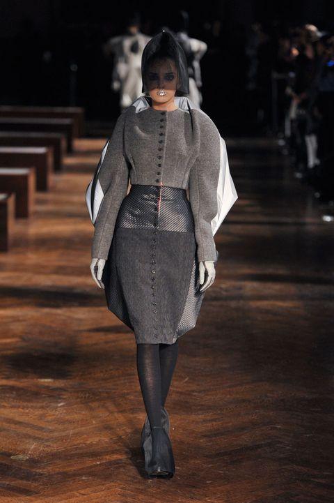 Outerwear, Fashion show, Runway, Fashion, Street fashion, Fashion model, Costume design, Fur, Fashion design, Haute couture,