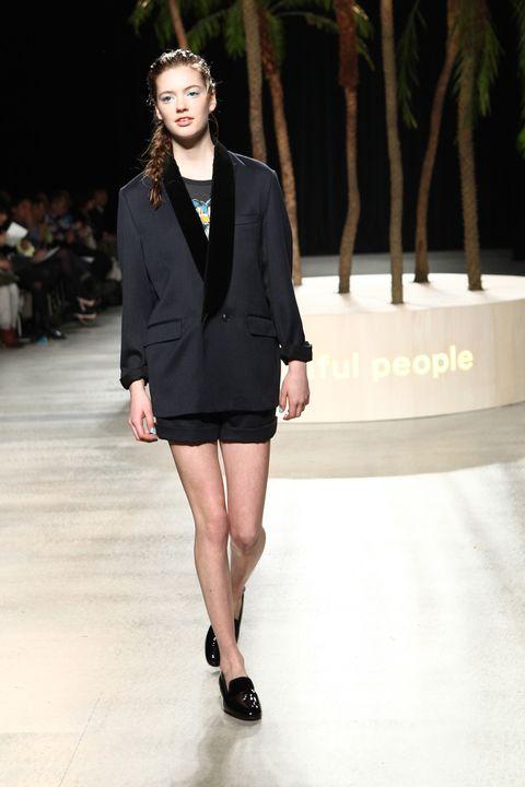 Clothing, Shoulder, Fashion show, Joint, Outerwear, Human leg, Runway, Fashion model, Style, Street fashion,
