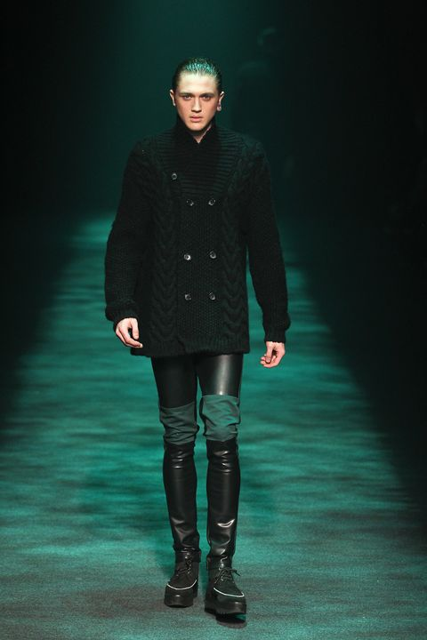 Clothing, Sleeve, Fashion show, Outerwear, Style, Winter, Coat, Runway, Fashion model, Boot,