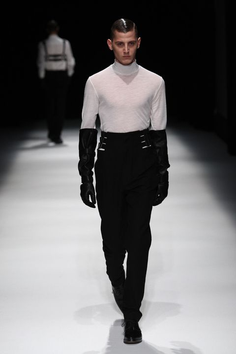 Sleeve, Trousers, Human body, Collar, Shoulder, Fashion show, Shirt, Standing, Joint, Style,