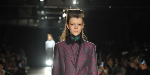 Fashion show, Outerwear, Runway, Style, Coat, Fashion model, Winter, Street fashion, Fashion, Blazer,
