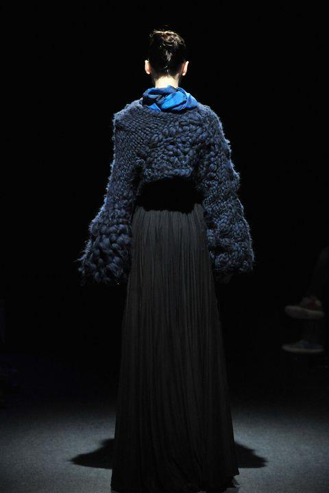Sleeve, Textile, Style, Formal wear, Costume design, Gown, Dress, Headgear, Fashion, Fur,
