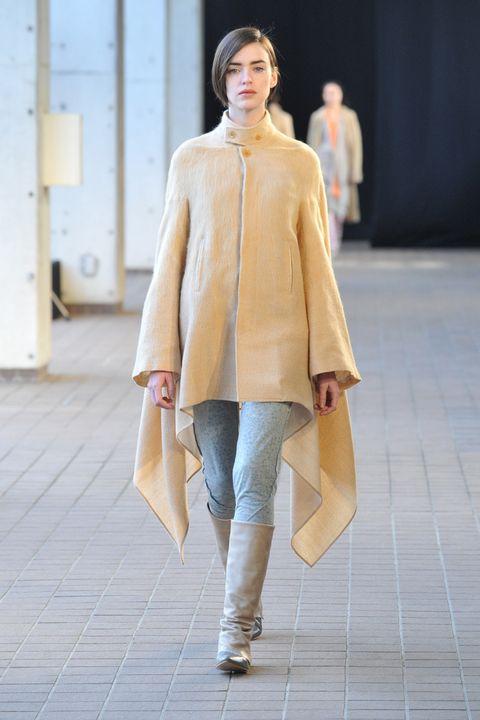 Brown, Sleeve, Textile, Joint, Outerwear, Coat, Style, Street fashion, Khaki, Fashion model,