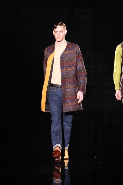 Sleeve, Trousers, Denim, Shirt, Textile, Outerwear, Collar, Style, Jacket, Street fashion,