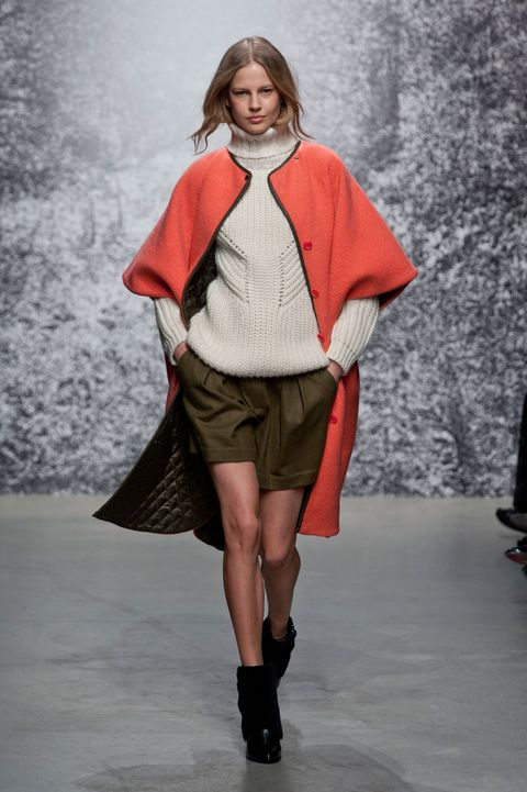 Clothing, Footwear, Fashion show, Sleeve, Winter, Shoulder, Textile, Joint, Outerwear, Runway,