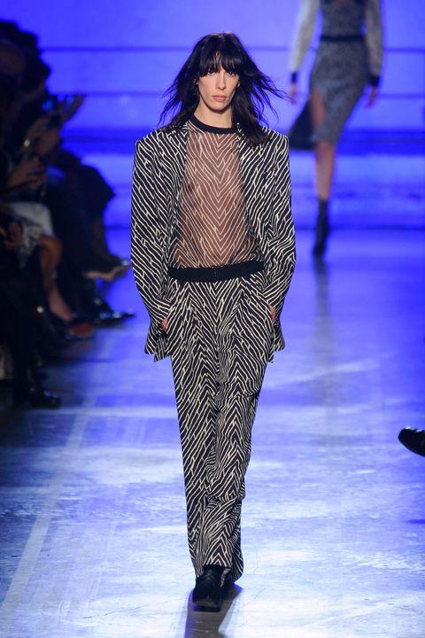 Fashion show, Runway, Fashion model, Style, Fashion, Electric blue, Model, Fashion design, Haute couture, Waist,