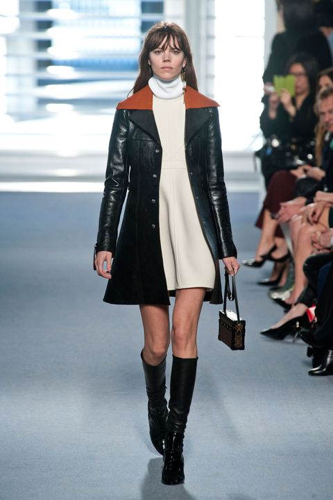 Clothing, Fashion show, Joint, Outerwear, Style, Fashion model, Runway, Street fashion, Knee-high boot, Knee,