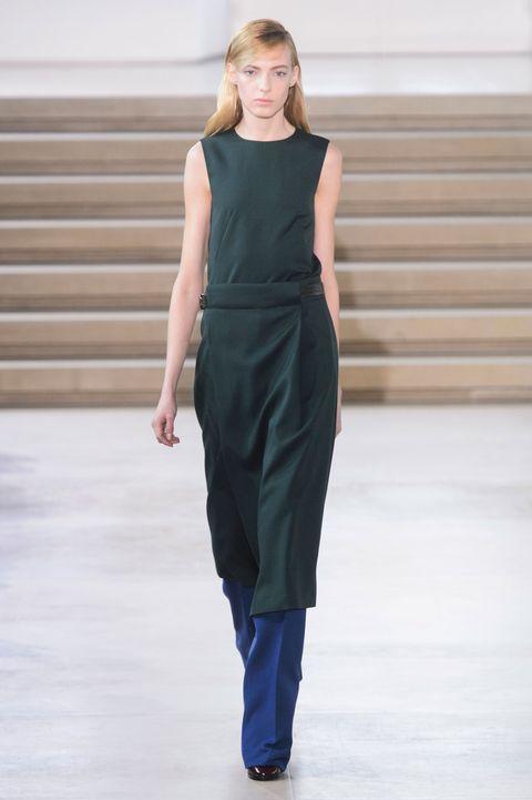 Shoulder, Dress, Joint, Fashion show, One-piece garment, Style, Waist, Formal wear, Fashion model, Street fashion,
