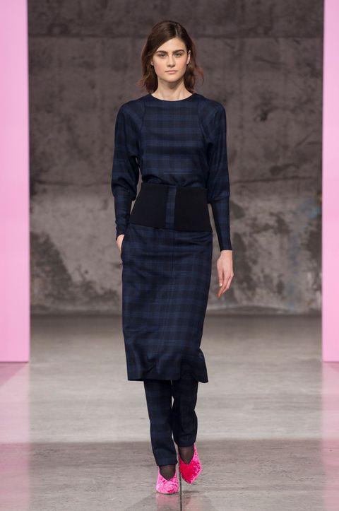 Clothing, Sleeve, Shoulder, Joint, Magenta, Pink, Style, Waist, Purple, Floor,