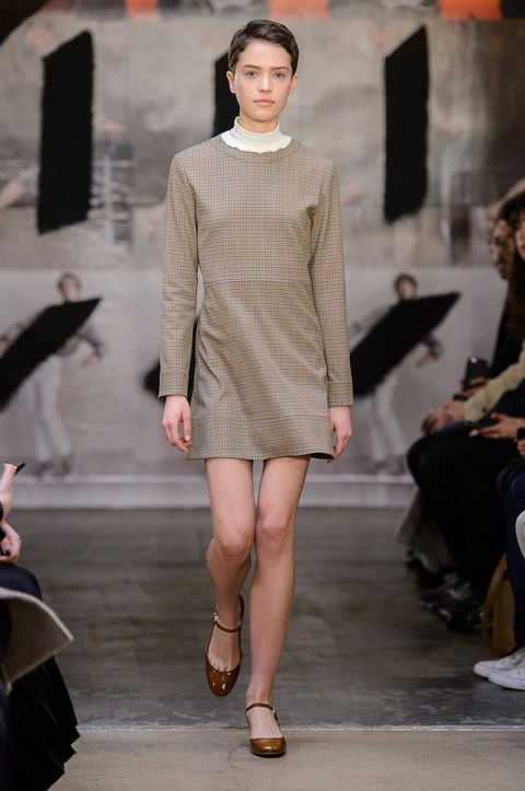 Clothing, Footwear, Leg, Human body, Fashion show, Shoulder, Human leg, Runway, Joint, Outerwear,