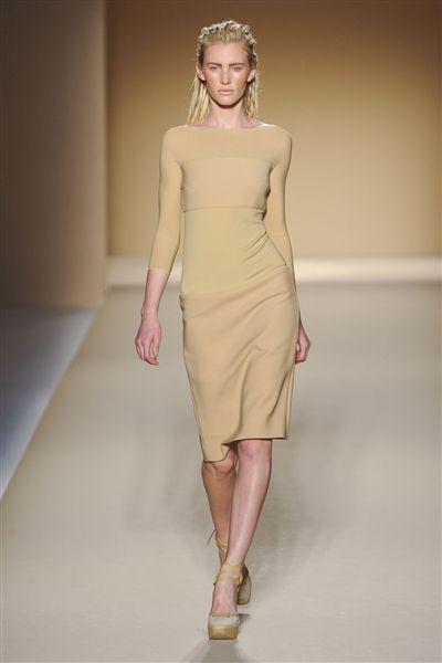 Clothing, Skin, Dress, Human body, Human leg, Shoulder, Joint, Fashion show, One-piece garment, Waist,