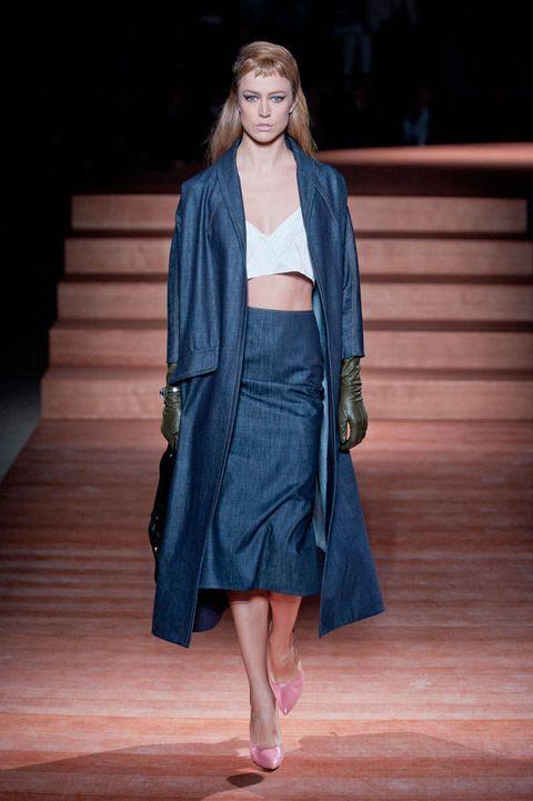 Sleeve, Outerwear, Style, Fashion, Fashion model, Street fashion, Costume design, Fur, Hardwood, Fashion show,