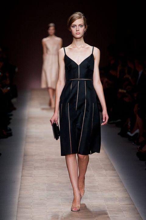 Fashion show, Shoulder, Dress, Joint, Fashion model, Runway, Waist, One-piece garment, Style, Formal wear,
