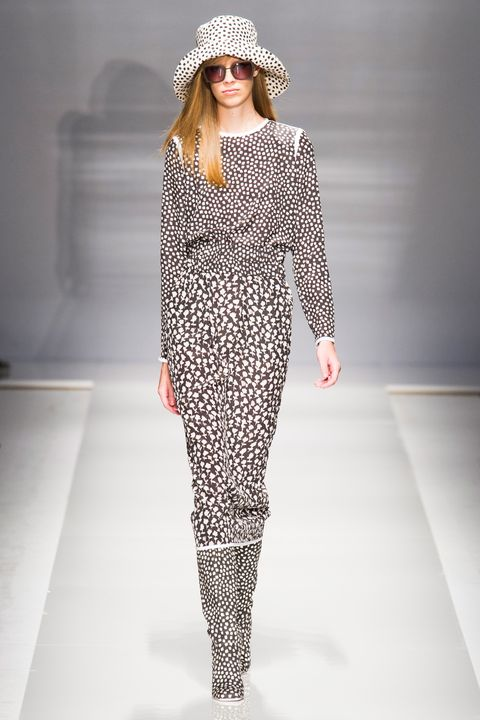 Hat, Fashion model, Fashion show, Style, Pattern, Street fashion, Fashion accessory, Fashion, Dress, Knee,