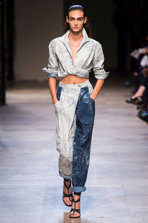 Clothing, Footwear, Brown, Fashion show, Shoulder, Joint, Runway, Style, Fashion model, Waist,