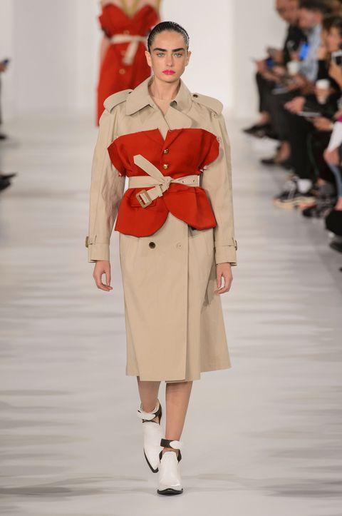 Fashion model, Fashion, Fashion show, Runway, Clothing, Shoulder, Haute couture, Public event, Beige, Event,