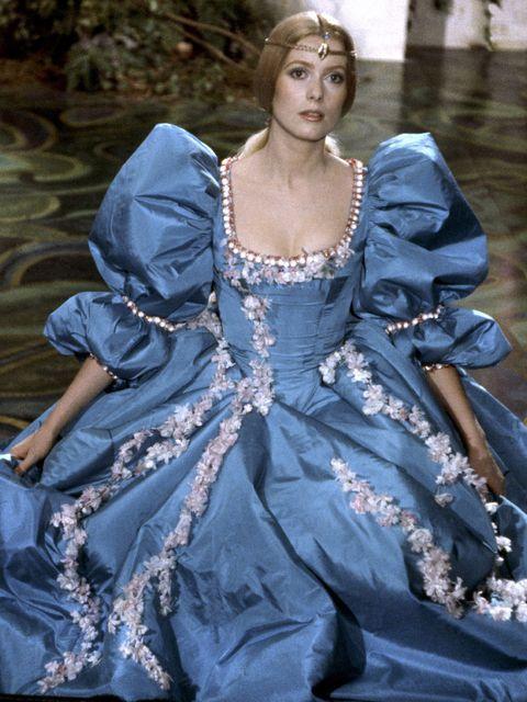 Fashion model, Fashion, Blue, Clothing, Haute couture, Beauty, Dress, Denim, Fashion design, Jeans,