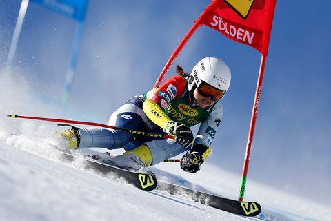 Eyewear, Slalom skiing, Recreation, Winter sport, Goggles, Sports equipment, Ski cross, Skier, Alpine skiing, Ski,